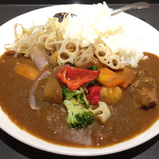 牛すじ野菜カレー(M CURRY)
