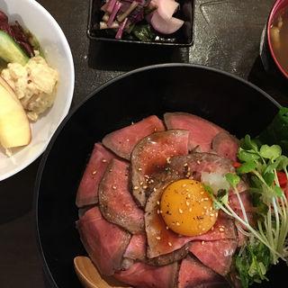 ローストビーフ丼(石垣屋 )
