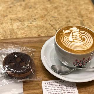 カプチーノ(エクセルシオールカフェ 東京国際フォーラム店 (EXCELSIOR CAFFE))
