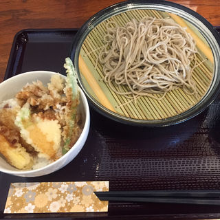 二八蕎麦 ランチセット野菜天丼付き(石臼挽手打ち蕎麦 えび家 )