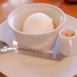 クルミドアイス(クルミドコーヒー (KURUMED COFFEE))