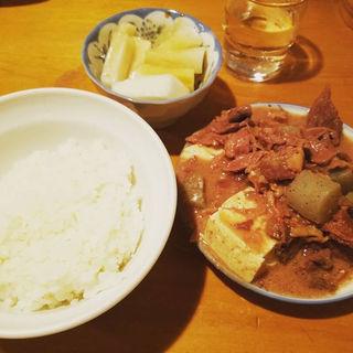 煮込み並 ご飯小 漬物カブ(かっぱ)