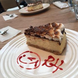 スモアチーズケーキ(RH Cafe 京都BAL店 (アールエイチカフェ))