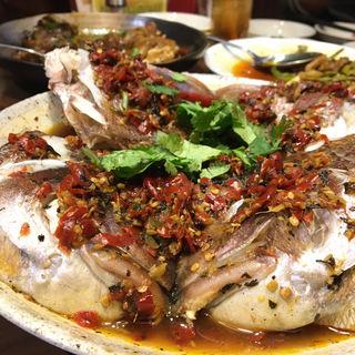 鯛のカマの唐辛子蒸し(李湘潭 湘菜館 (リショウタン ショウサイカン))