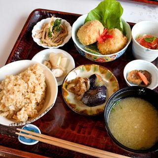 今日のお昼ご飯 キャベツのクリームコロッケ(きんしゃり食堂 )