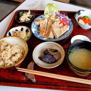 今日のお昼ご飯 豚肉のソテー(きんしゃり食堂 )