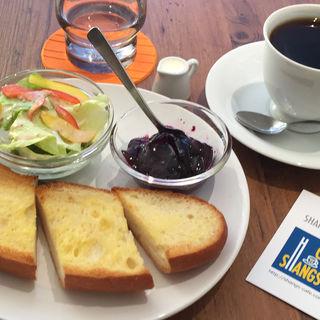 バゲットトースト&シャンズコーヒー(シャンズカフェ (SHANGS CAFE'))