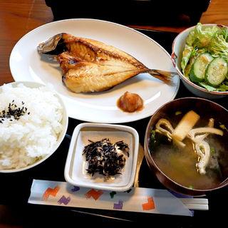 魚の干物セット・アジの開き(シウンカフェ (SHIUN CAFE))