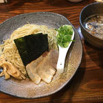 新宿で食べよう!お酒との相性もばつぐんの、もつ煮セレクション。