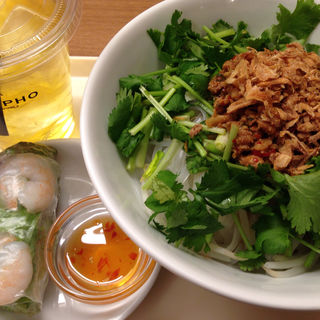 パクチー麺セット(Com Pho 丸の内オアゾ店 (コムフォー))