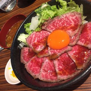 霜降りローストビーフ丼 中(肉タレ屋 難波バル店 )