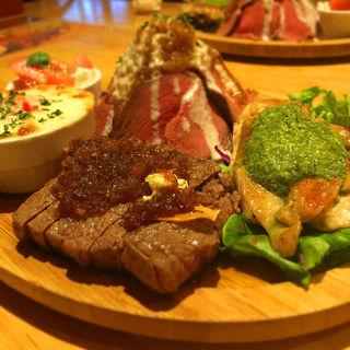 肉屋のランチプレート 限定5食(タベスギータ )