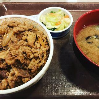 牛丼しじみ汁おしんこセット(すき家 梅田東店 )