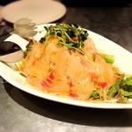 真鯛とカラスミの大根サラダ