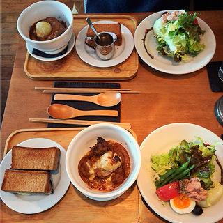 ビーフシチュー、ニース風サラダセット(カフェ ドゥ レント)
