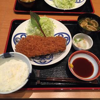 茶美豚ロースカツ膳(とんかつ まい泉 ルクアイーレ店)