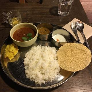 ラムカレー(ラトナ カフェ (Ratna Cafe))