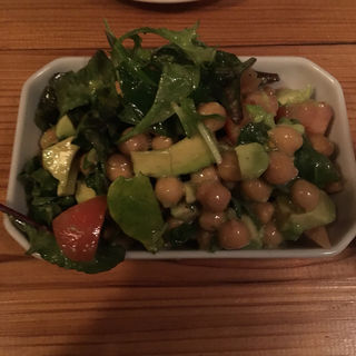 アボカドとひよこ豆のサラダ(マジェスティック (majestic+))
