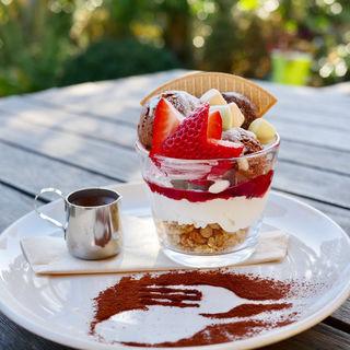 strawberryアフォガード(Cafe&Bar MarshMallow )
