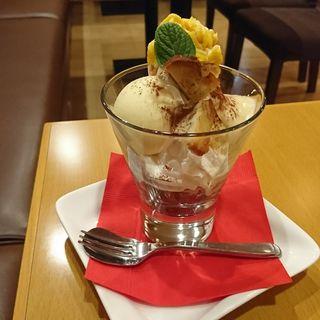 お芋とマロンアイスのパフェ(クロックカフェ (CLOCK Cafe))