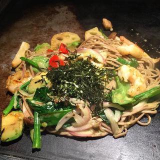 アボカド黒焼きそば 野菜ミックス+海老トッピング(京ちゃばな 姫路店 )