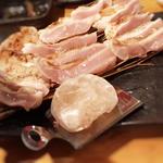 地鶏むね岩塩タタキ炙り(地鶏ダイニング番長)