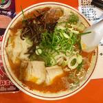 スタミナ赤ラーメン+ワンタン(二代目 けんのすけ  (【旧店名】けんのすけ 本店))