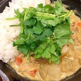 シーフードと彩り野菜のタイ風グリーンカレー(camp express 海老名店)