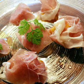 プロシュートと柿(ワインビストロ Dai)