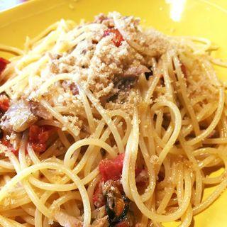 燻製したサンマとドライトマトのスパゲッティーニ(ワインビストロ Dai)