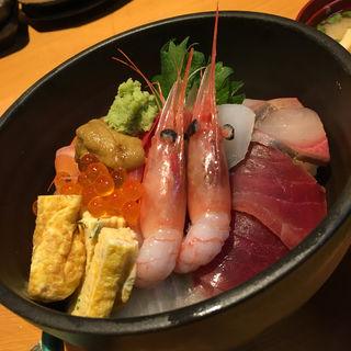 海鮮丼(和海 (なごみ))