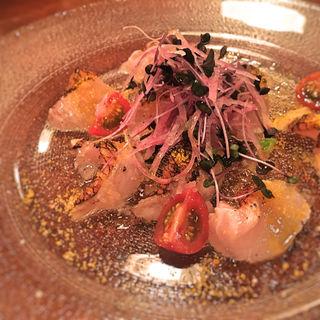 和歌山産 燻製した真カジキのカルパッチョ タプナードソース(ビストロ シロ)