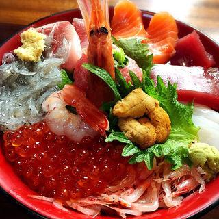 魚河岸わいわい丼(あら汁付)(魚河岸丸天 魚河岸店)