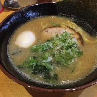 豚骨醤油ラーメン(金澤達系 麺屋達 久安店)