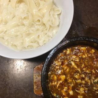 登頂石焼麻婆&刀削つけ麺(陳家私菜 赤坂一号店 湧の台所)