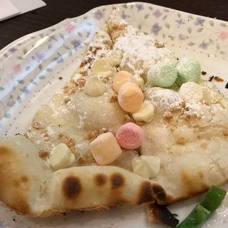 マシュマロとホワイトチョコのピザ(シェイキーズ 三条店)