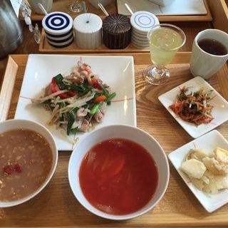 Bセット  豚肉・野菜炒め(茶茶の間 )