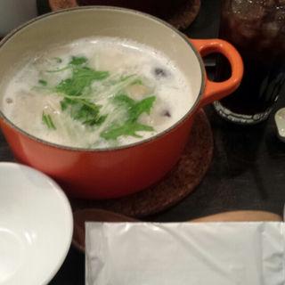 鶏つくねと塩麹のコラーゲン茶鍋(茶鍋カフェ kagurazaka saryo 渋谷マークシティ店 (サリョウ))