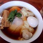 醤油チャーシュー麺(らぁ麺屋 飯田商店 )