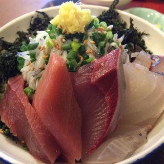 海鮮丼定食(定食屋しゃもじ)