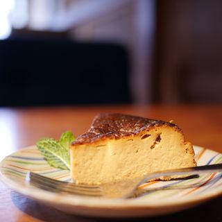 ベイクドチーズケーキ(カフェ ノラ (cafe NORA))