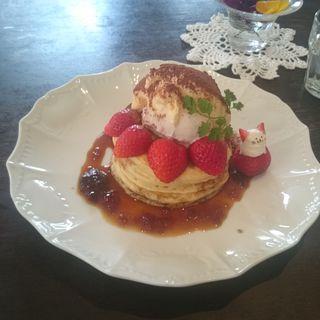 春のティラミスパンケーキ(カフェアンジェ (Cafe Ange))