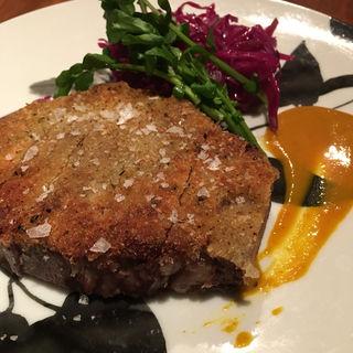 イベリコベジョータ肩ロース肉のスパイスパン粉焼(Mitsu-Getsu (ミツゲツ))
