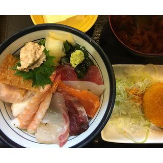 海鮮丼ランチ(すし旬 本店 (すししゅん))