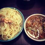背脂にんにくつけ麺(中)