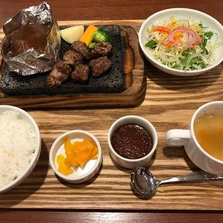 サイコロステーキ&ハンバーグセット(grill BAUM (グリルバウム))