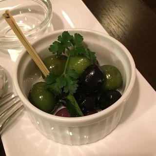 イタリア産3種類のオリーブのマリネ
