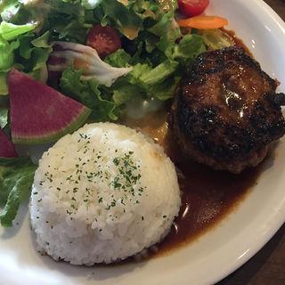ステーキソースハンバーグプレート ランチ(Cheval Cafe )