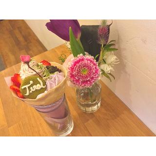桜モンブランの春のいちごクレープ(クレープリーチロル)