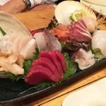 魚と貝の盛り合わせ